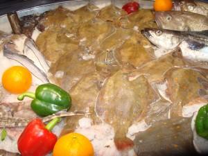 Hier ligt een lekker maaltje echte schol. De vis met die grappige roeststippen...