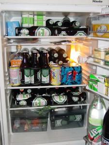 Gelukkig is in deze koelkast geen plaats meer voor een pan met hete soep. Het is maar goed ook...