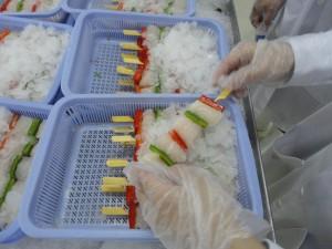 Zelfs de Pangaspiezen worden in Vietnam gemaakt. Het is wel opvallend dat er een sterke stijging van 'Smulweb' -achtige sites is. Zou de handel hier achter zitten?