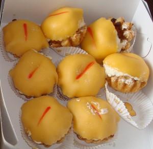 In Beilen heeft men echt feestelijk gebak. De Beiler kontjes. Mierzoet, erg fout maar wel een smaakvolle zonde.
