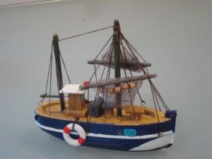Alleen in de serie 'The deadliest catch' vaart men met dergelijke gammele 'rinky dinky' bootjes. De moderne Noordzeevisser heeft een goed uitgerust boot waar de voedselveiligheid wel gegarandeerd wordt.