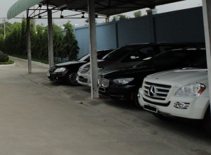 Het wagenpark van de Pangasius producenten in Vietnam zou niet misstaan op de parkeerplaats van Kasteel Wassenaar tijdens de chique nieuwjaarsreceptie van het Productschap Vis.