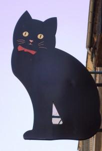 Voedingsmiddelenbedrijven die wat aanklooien moeten terecht de zwarte kat gepresenteerd krijgen.