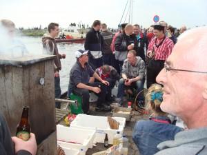 Schol promotie dag op 15 mei 2010. Start van een jaarlijkse traditie om de Nederlandse consument te overtuigen hoe lekker platvis is. Uiteraard moet deze ook zwemmen wat de feestvreugde rond deze dag aanzienlijk verhoogt.